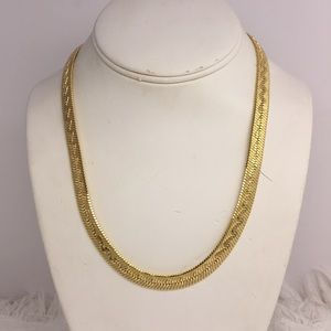 Jewelry - ❤️ Gold Tone Snake Necklace